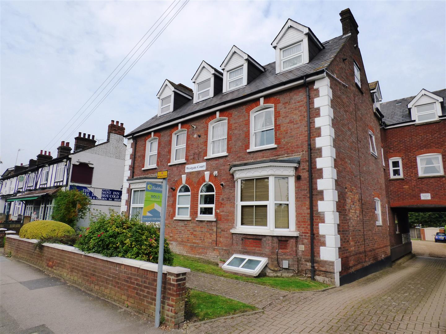 1 Bedroom Apartment Flat for sale in West Street, Dunstable